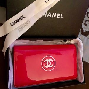 RARE⭐️Chanel pink💕patent leather CC long wallet